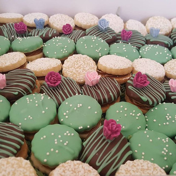 ALFAJORES_ All the people who know me, k