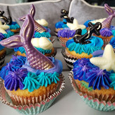 Where are my cupcake fans__ Here is a co