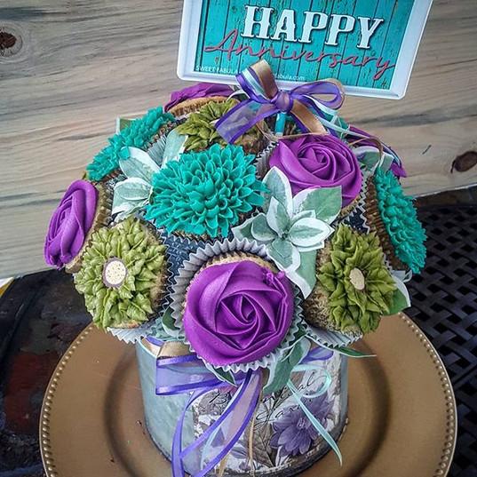 Celebrate with Sweet Fabula the happiest