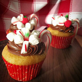 Christmas peppermint coffee cup cupcakes