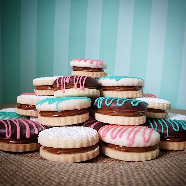 Perfect swirls of dulce de leche! Love t