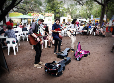 buskingtrio_Kids_fairbridge