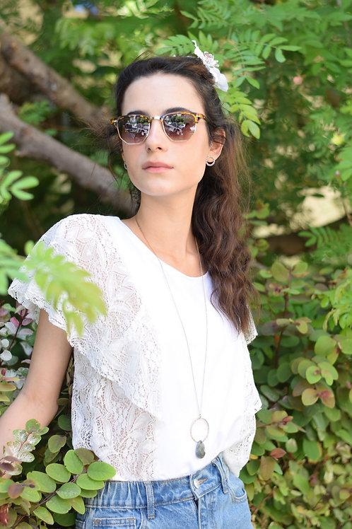 חולצת דולורס לבן תחרה