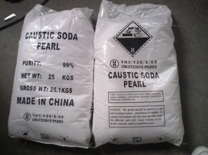 Caustic-Soda-Perls