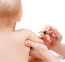 Proč děti po očkování pláčou? Mají zánět mozku. Vědecké studie: Hliník ve vakcínách poškozuje mozek