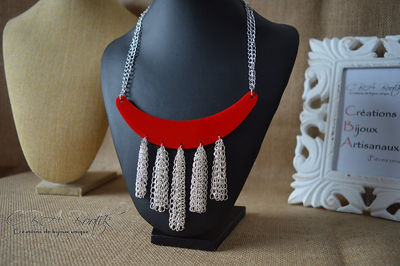 Collier style ethnique rouge
