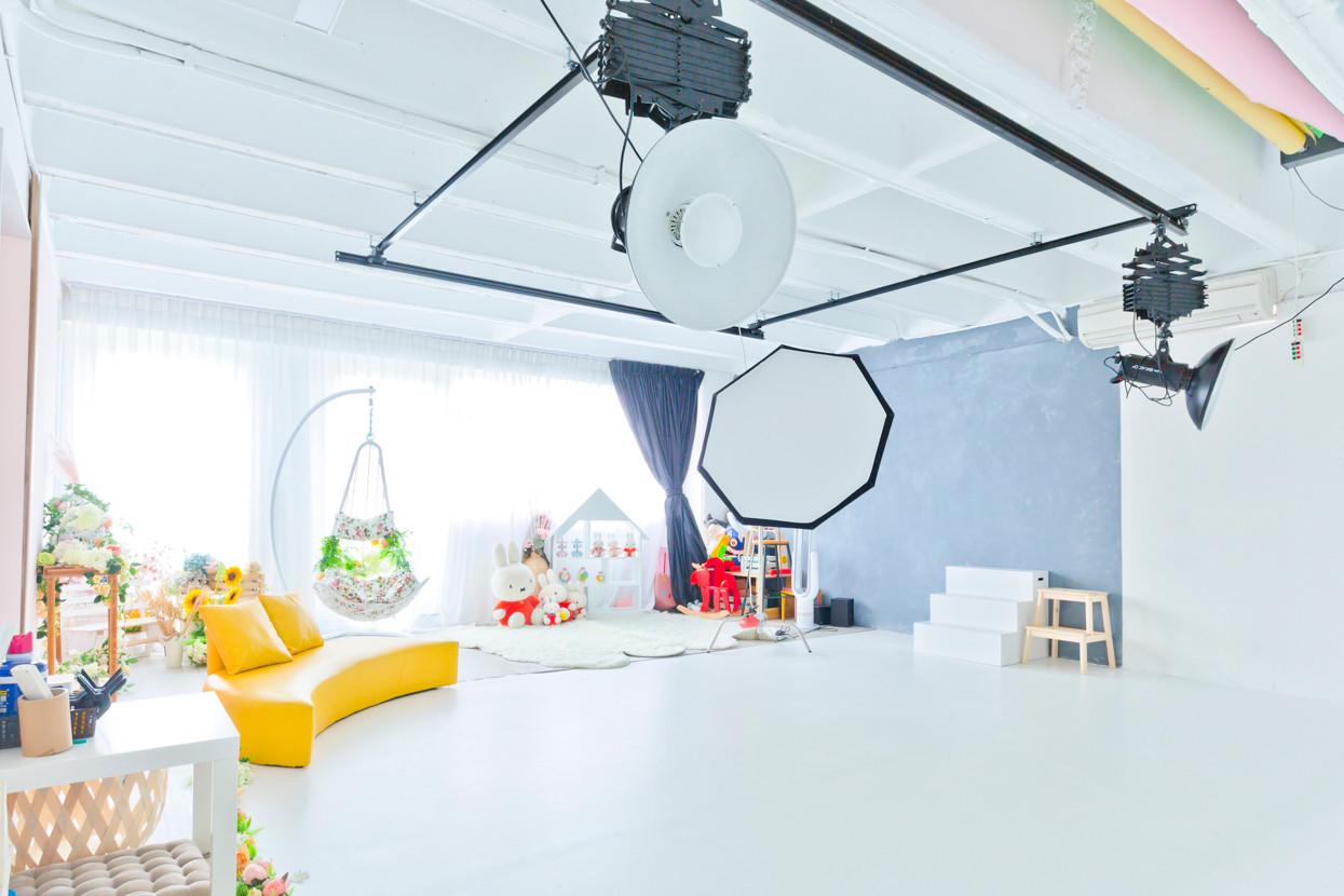  室內合共容納8人家庭