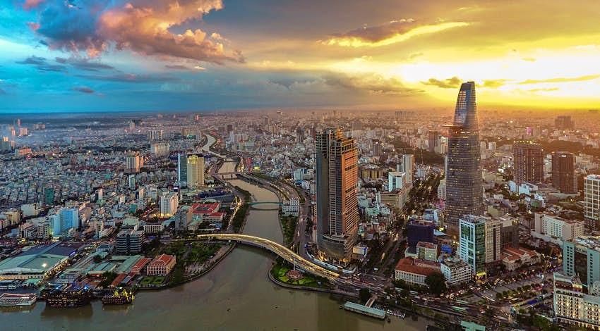 Skyline della città di Ho Chi Minh - Foto di Lonely Planet