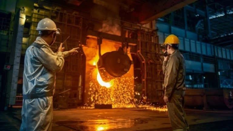 FOTO Hoa Phat gestisce quattro alti forni nelle sue acciaierie integrate a Quang Ngai.