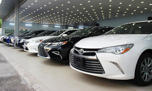 Le imprese gareggiano per il diritto ad importare automobili di lusso usate