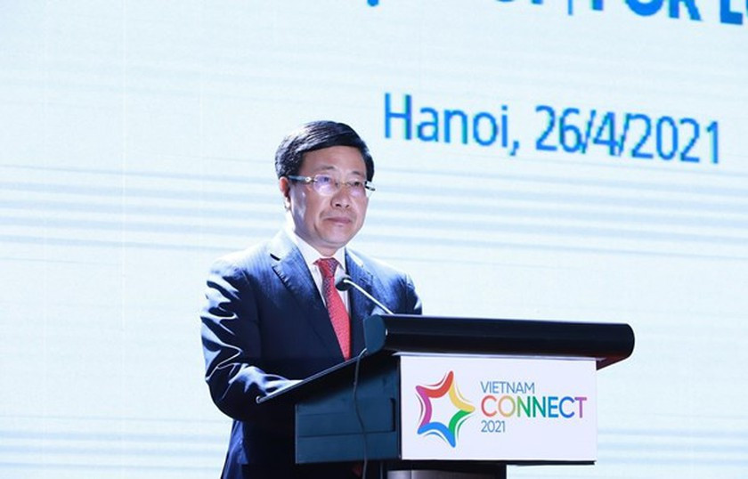 Deputy Prime Minister Pham Binh Minh addresses the forum. Photo: VNA