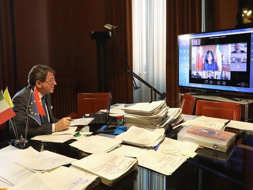 L'incontro virtuale tra il Sindaco di Modena Muzzarelli e l'Ambasciatrice Nguyen Thi Bich Hue