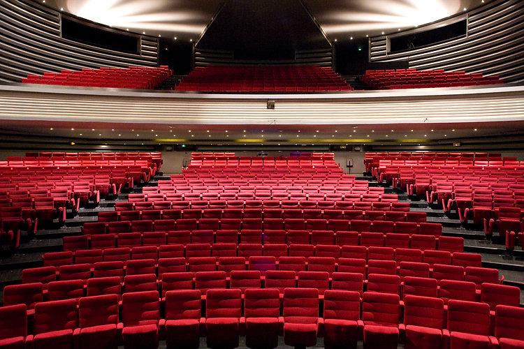 2-_Théâtre_Bernadette_Lafont_–_Salle