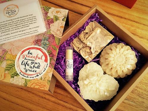 Gift Box Set with Lip Balm 手工皂潤唇膏禮盒套裝