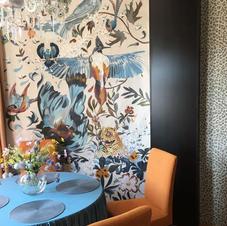 Malba na plátně - na zdi na motivy potahové látky