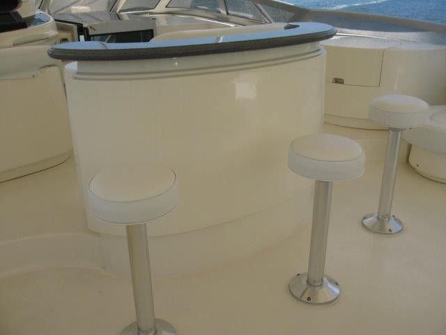 2000_azimut_100_jumbo_flybridge_bar