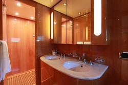 leopard_26_-master_toilet_1