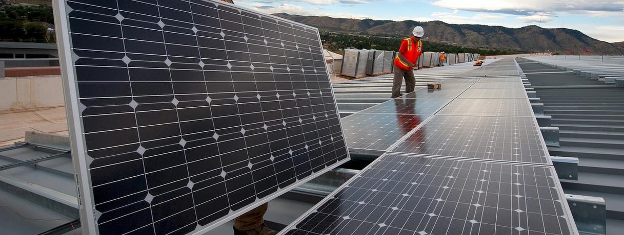 solar-panels-1794467_1280.jpg