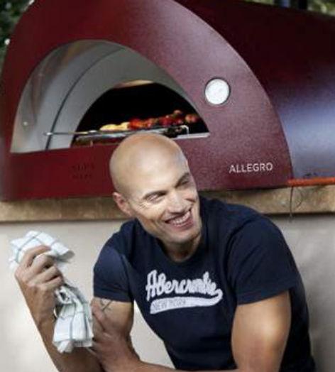 Allegro es el horno más grande de la gama FORNINOX de Alfa Pizza. Su tamaño y sus características técnicas lo convierten en similar a un horno profesional.