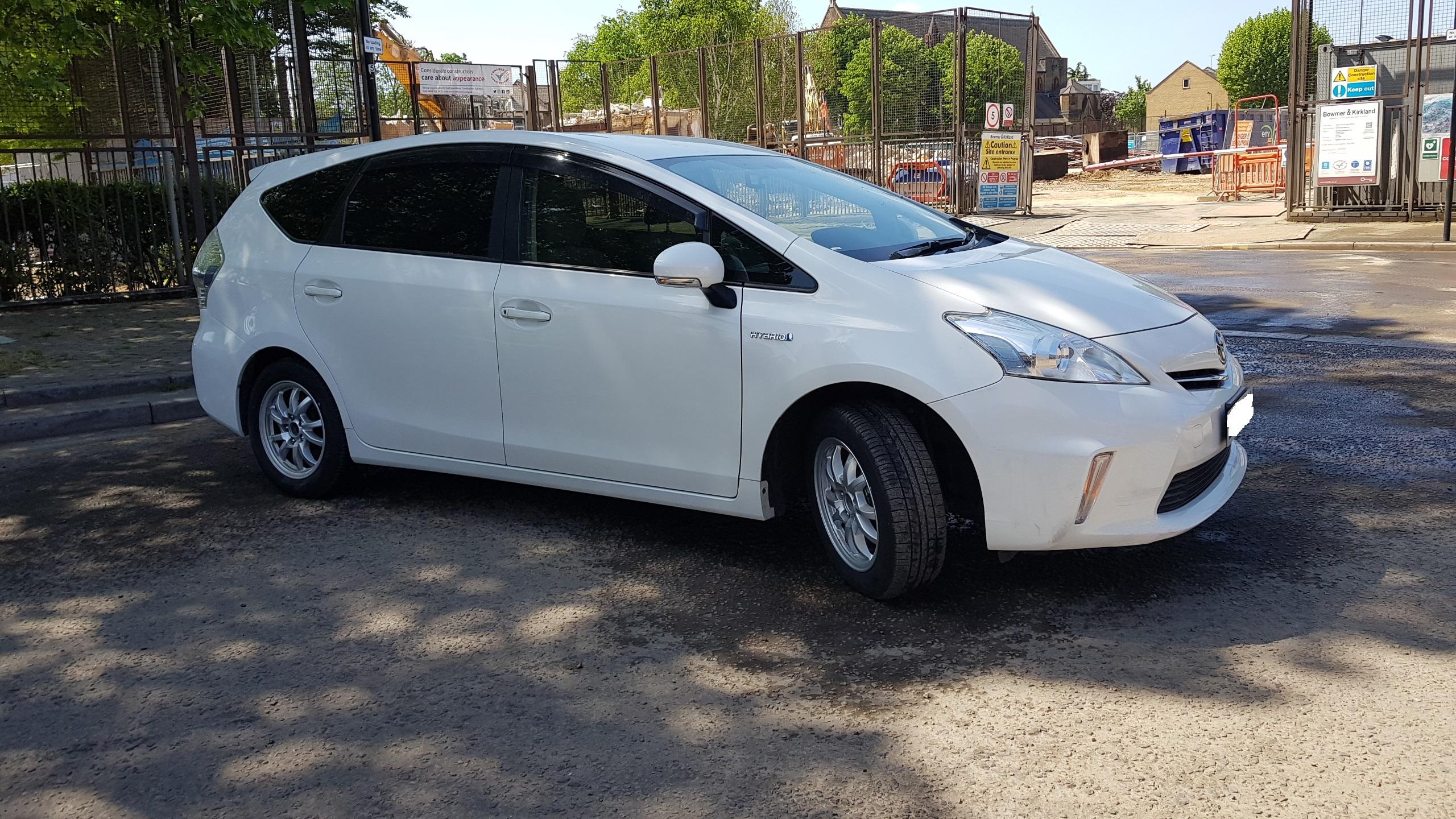 Toyota Prius Plus 2012