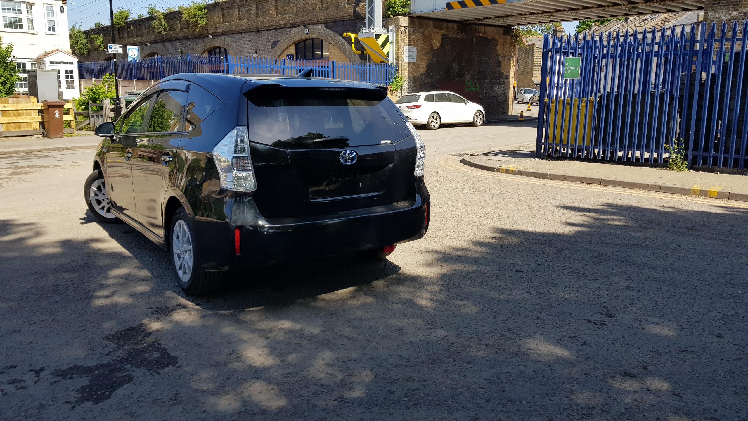 Toyota Prius Plus 2014
