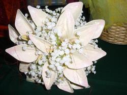 bouque per la sposa con fiori di palloncini