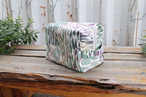 Dewdrop Kitty Toiletry Bag in Purple