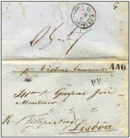 """Fig. 18 - Do Rio de Janeiro para Lisboa, de 30/09/1857, transportada pelo navio """"Vittorio Emanuele"""" na sua última viagem aPortugal. Recebeu nachegada, em02/11/1857ocarimbo """"P. Transatlantico"""" e a taxa portuguesa de 440 Réis, para as cartas pesando entre 4,5 e 5 oitavas . Marca """"PP"""" em azul aplicada na frente e taxa """"4,5"""" manuscrita no verso."""