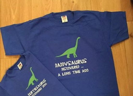 Parent and child t-shirt set