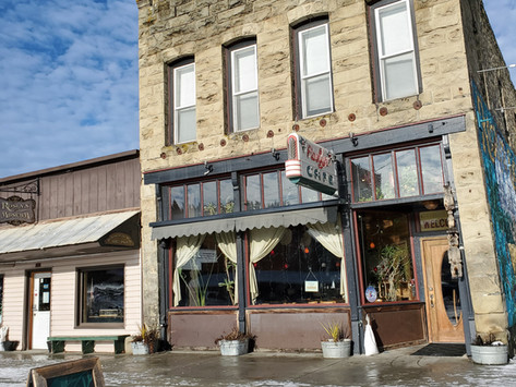 The Reopening of Roslyn Cafe Creates a Stir