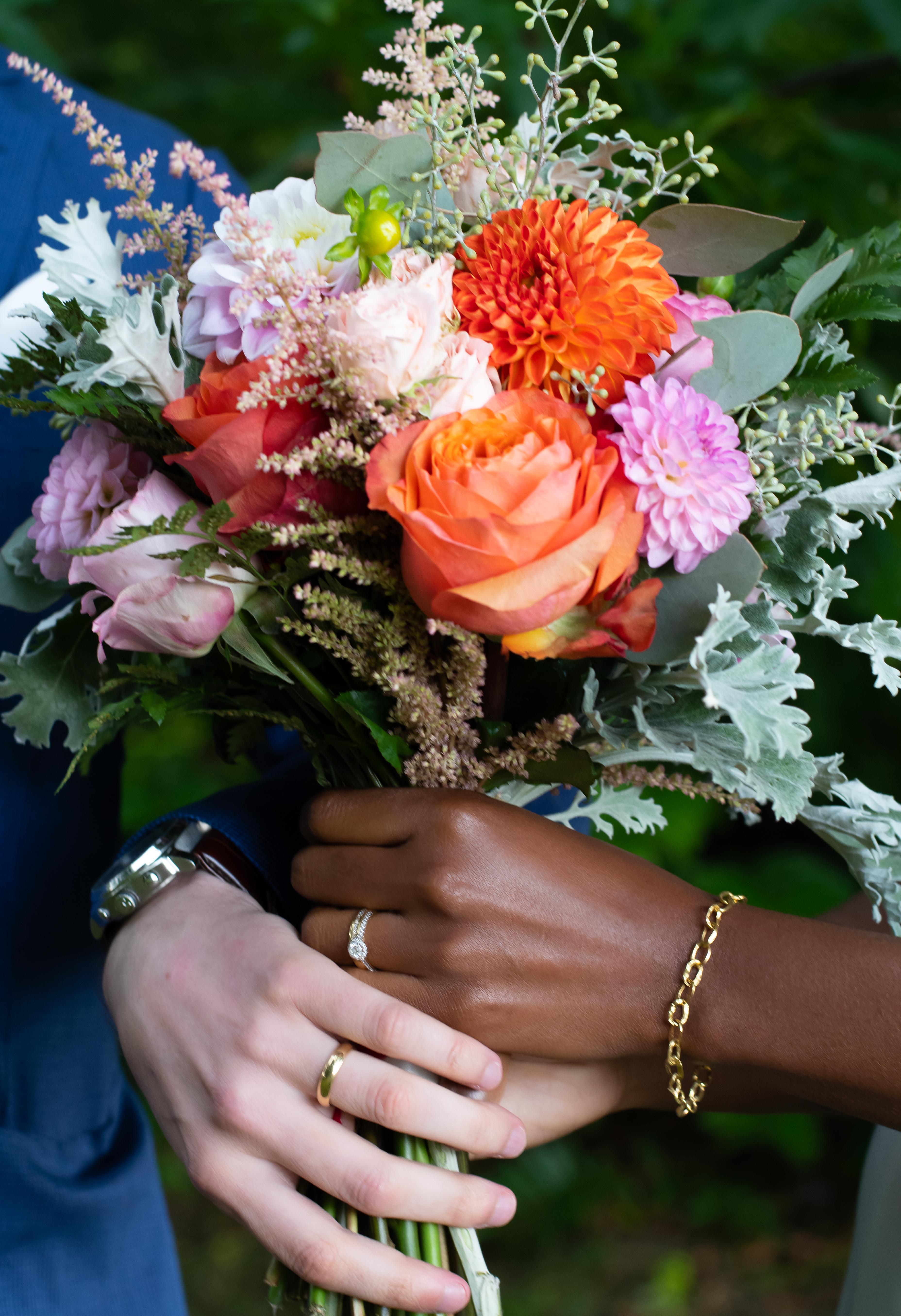 Wedding rings & flowers