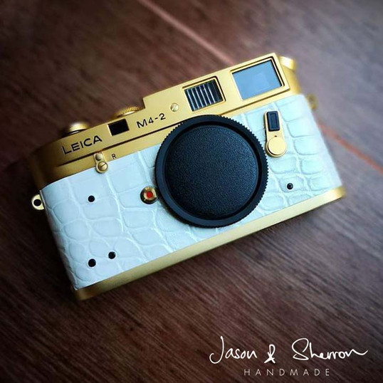 Leica_M4-2_Gold_reskined_with_Crocodile_