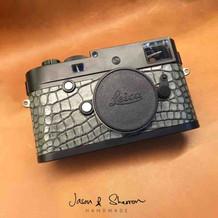 Leica M246 Black reskined with Alligator