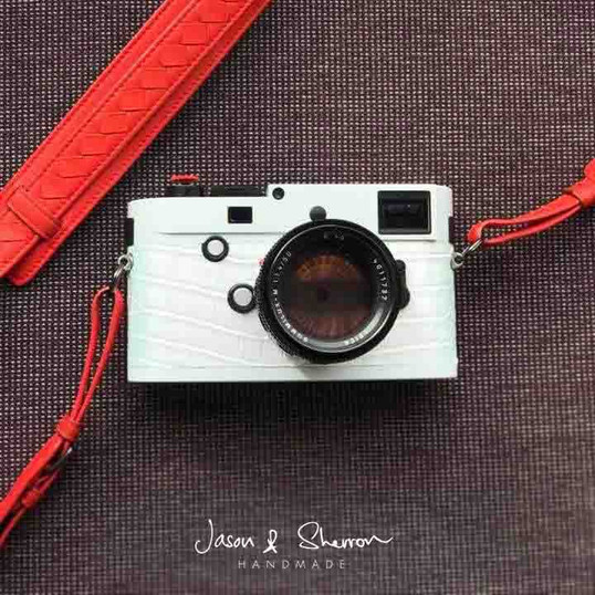 Leica M240 Silver reskined with Crocodil