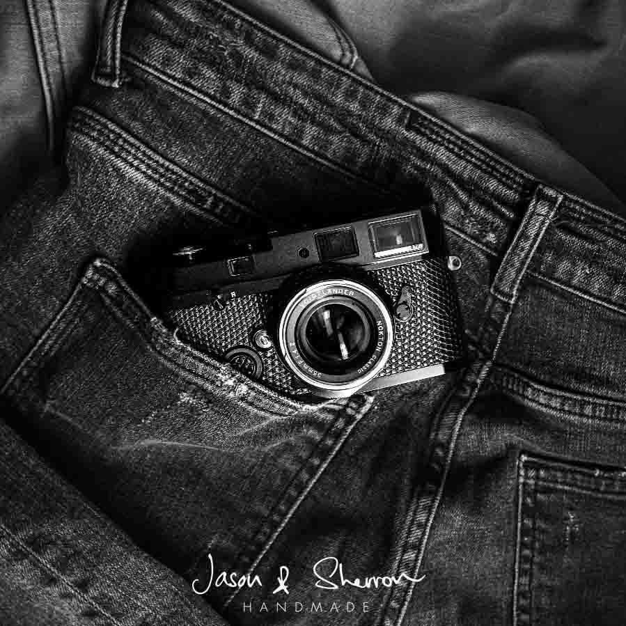 Leica MP Black reskined with Lizard Blac