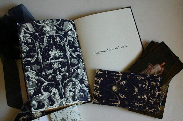 """""""Todo dice tu nombre"""" Libro del Tarot"""