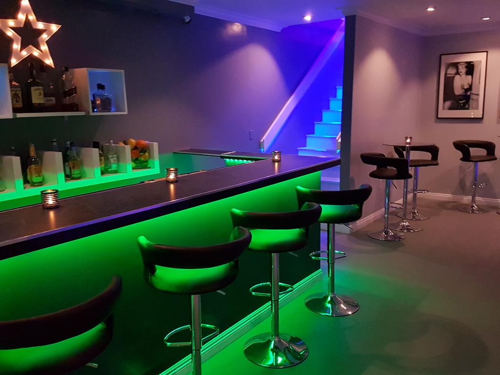 Bar Green