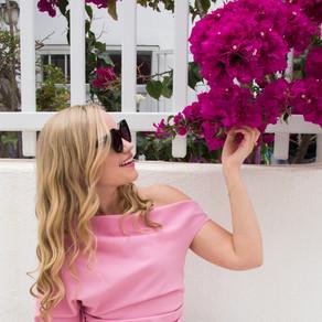 pop of pink in Mykonos