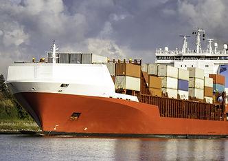 el puerto de carga y el envío