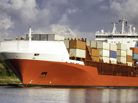 Receita esclarece IRRF no afretamento de embarcação estrangeira