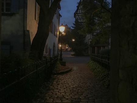 early morning street lamp.jpg
