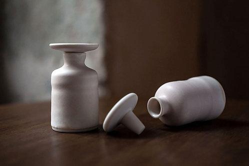 Powder Perfume : Voyage de Senteur In Mini Porcelain Flacon