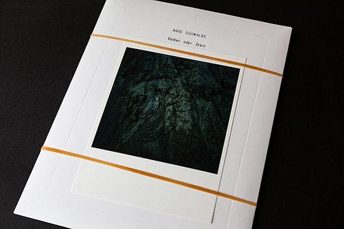 Vulkan oder Stein by Anne Schwalbe