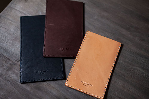 """Sustainable Leather Phone case """"POL"""" without Straps by LEIT & HELD"""