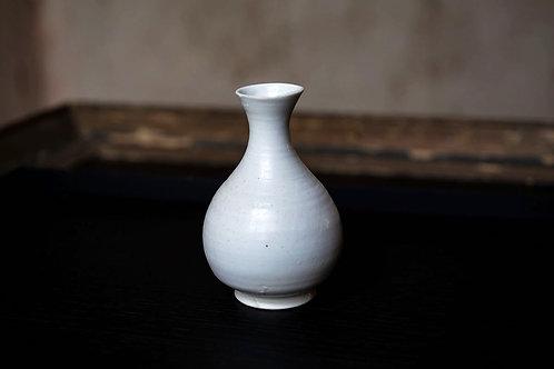 Wood-Fired Porcelain Sake Carafe Tokkuri by David Louveaui