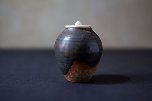 Tea Canister by Andrzej Bero