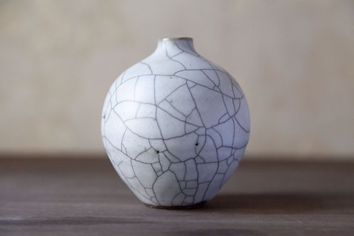 Ceramic Vase by Shiho Takada