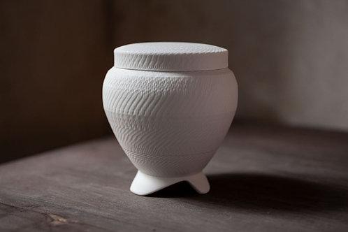 """Porcelain Lidded Pot Incense Burner """"Koro"""" by Cuze"""