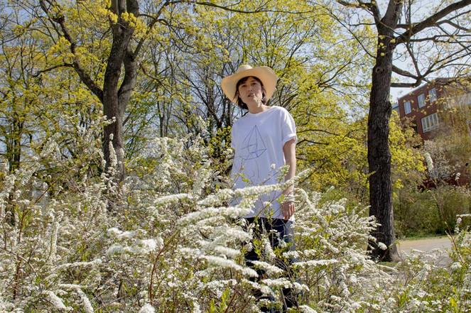 Gika_Demand_Spring_myself_tshirt_1_white