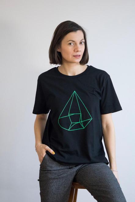 Black_green_myself_tshirt_emilie_.jpg